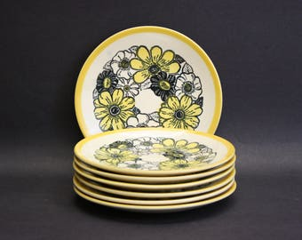 Vintage Mod Yellow and Green Floral Salad Plates, Set of 7 (E6009)