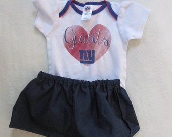Eco-Friendly Summer Girls like football too! Vintage 0-3 month girls NY Giants onesie with handmade matching skaterskirt