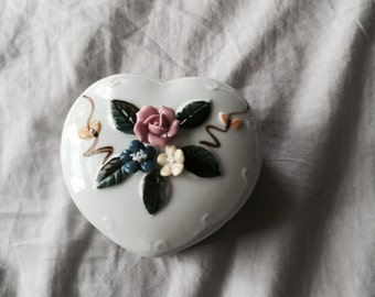 Porcelain Box // Porcelain Jewelry Box // Porcelain Trinket Box // Floral Home Decor // Retro Home Decor (B14)