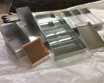 Customized metal trays