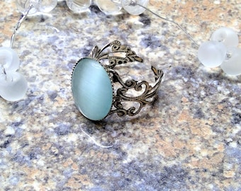 Vintage ring with sky-blue cabochon