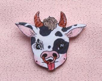cow brooch (6.2 x 5.2 cm)