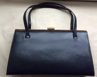 Vintage black leather handbag, black leather bag, 1960s 1970,suede lining,Salisbury's Classic.