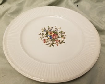 Wedgwood conway floral Dinner plates 10  & Wedgwood plates | Etsy