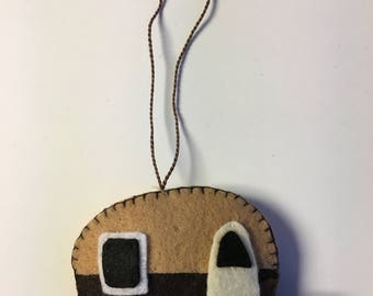 camper - trailer felt ornament * Let's go camping! * Brown * Collectible * gifts * charms * decoration * Happy Camper!