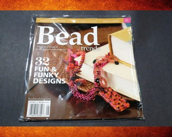 Bead Trends Magazine - Gifts for Mom, Floral Fashions, 32 Fun and Funky Designs.  #BOOK-003