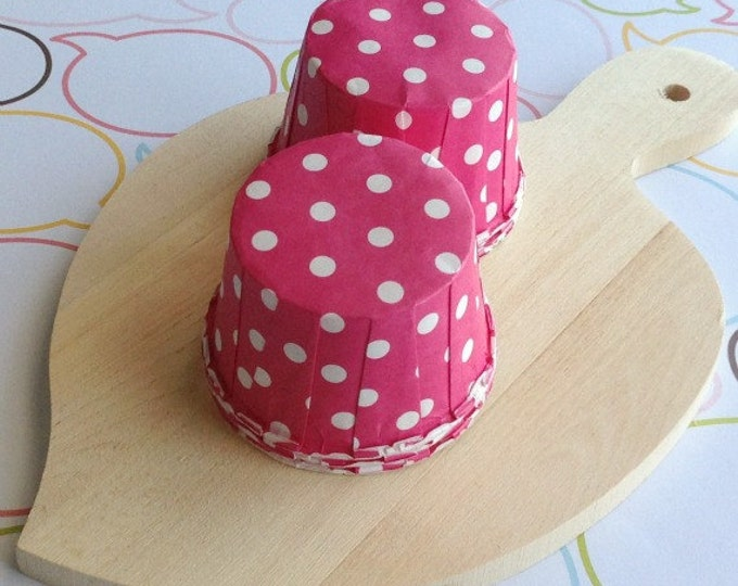 25 Polka Dots Hot Pink Baking Cups