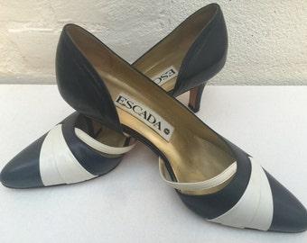 Escada 6.5 Navy Blue pumps, Size 7 Navy White kitten heels, 1980s pumps, 1980s heels, Pointy toe heels, Geometric heels,Red White Blue heels
