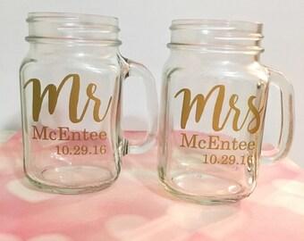 Wedding Gift // 2 Mason Jar Mugs, Personalized Mason Jars, Mr & Mrs, Wedding Present, Couple Wedding Gift, Just Married, Toasting Glasses