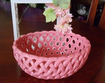 Vintage Fake Wicker Pink Candy Bowl, Oval Shape Open Design & Waved Edge Pink Ceramic Multi-Purpose Candy/Cookie/Fruits Bowl, Kitchen Decor