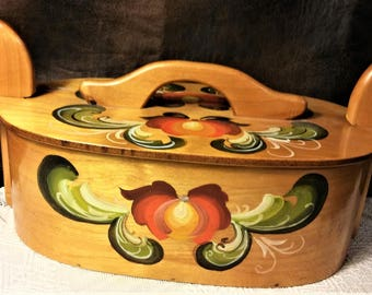 Vintage Norwegian Painted Tine Box