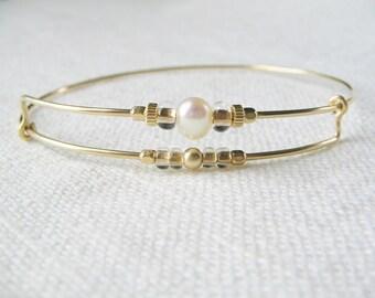 Bangle bracelet, gold filled wire bangle, expandable bracelet, minimalist bracelet, modern boho bracelet, beach jewelry, minimalist jewelry