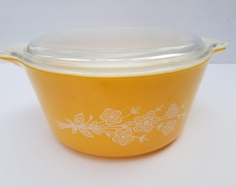 Gold Pyrex Casserole Dish and Lid