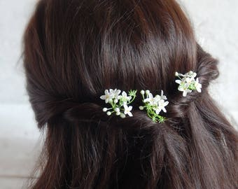 Small white flower hair pins Flower hair piece Wedding flower head piece Bridal headpiece Bridesmaid jewelry gift for her Bride accessories