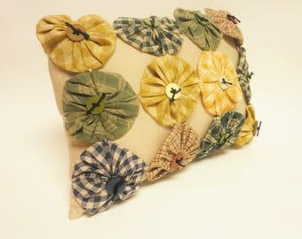Yo Yo Pillow with Button Accents, Accent Pillows, Throw Pillows, Primitive Pillows, Country Farmhouse Decor, Mini Pillows