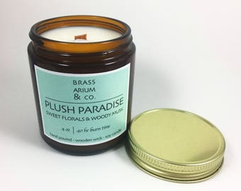 Plush Paradise Scented Soy Candle with Wooden Wick