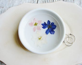Wedding Ring Dish, Real Flower Ring Holder, Ceramic Dish, Pressed Flowers Jewelry Dish, Jewelry Organizer