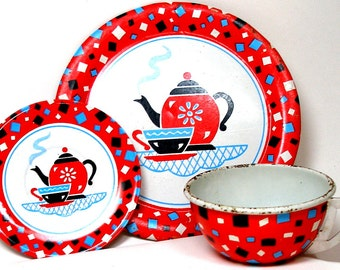 60s Tin Toy Tea Setting, 3 piece set, Coffee for One by Ohio Art Co.  Cup, plate & saucer.