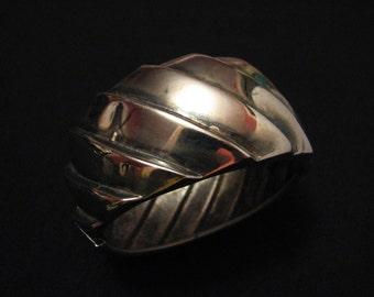 HUGE Vintage Heavy Silver Tone Textured Wave Hinged Clamper Bracelet