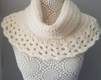 Chunky cream lace cowl, chunky scarf, neck warmer, scarf, ladies gift, teen gift, winter fashion cowl, winter scarf, soft chunky cowl