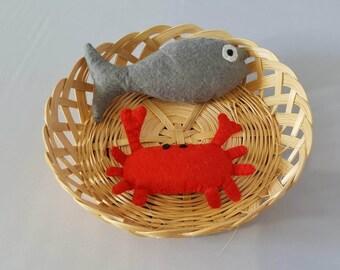 Crab and fish in felt - tea party - food - market