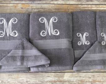 Adorable monogrammed bath towels with personalized towel of monogrammed  towel set ideas