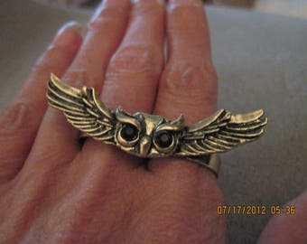 Retro Style Floating Owl Double Finger Ring w/ Crystals...#2185****....Shabby Chic/Steampunk