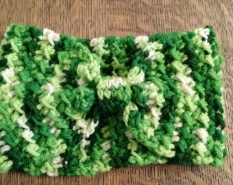 Handmade Bow Ear Warmer Headband/ Green Ear Warmer/ Bow Headband/ Crochet Headband/ Crochet Ear Warmer/ Crochet Turban/ Gift for Her