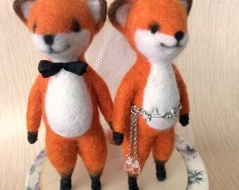 Wedding cake topper Fox/WEDDING GIFT for couple/Animal wedding/Woodland Wedding/Bride & Groom Figurine/Wedding accessories/Desk Foxy Couple