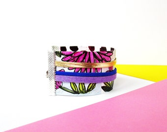 """Paper bracelet - """"Kristina"""" / Gift for woman / Handmade with recycled paper / Flower / Unique design / (3,5 x 16 cm)/ Shipping to worldwide."""