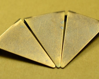 30 Pieces Antique Brass 16,5x25 mm Triangle Necklace Charms Connectors