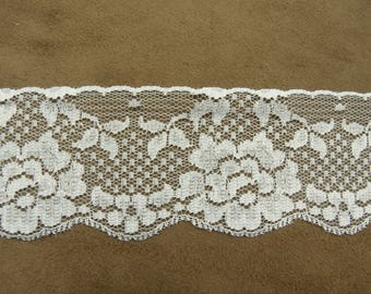 LACE of CALAIS - 5.5 cm-white - embroidered on tulle