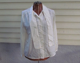 Vintage Cream Blouse TS Reed with a Tie Collar