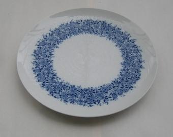 Rosenthal Germany studio-line. Very large plate / platter. Romance Benares. Design: Bjorn Wiinblad. Ø 27.8 cm. 1970s porcelain. VINTAGE