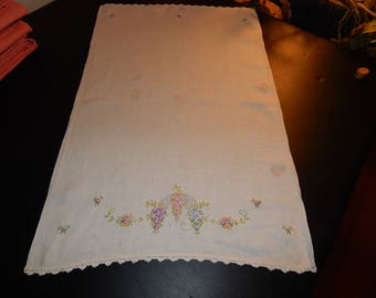 Vintage Tea Towel embroidered with flowers