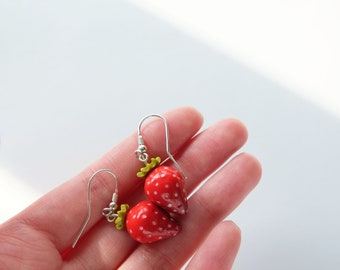 Strawberry earrings, Nature jewelry, Red earrings, Summer earrings, Boho earrings, Bridesmaid earrings, Gift for her, Botanical jewelry