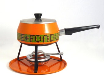 Funky vintage fondue set