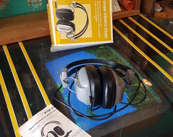 Realistic Nova 10 Headphones