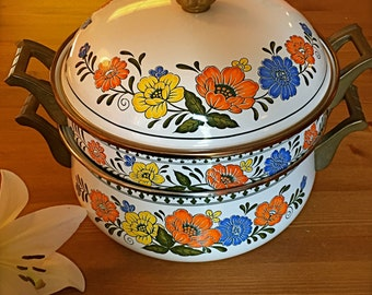 Newcor Regency Cookpot with double-boiler (or smaller saucepan?) insert, circa 1960s/1970s