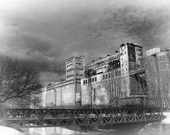 Silo No. 5 - Industrial - Abandoned - Black & White - Montréal - Fine Art Print - Photograph - Wall Art - Decor