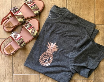 Pineapple Monogram T-shirt rose gold charcoal