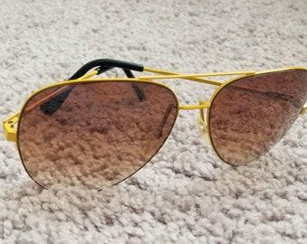 Vintage 1980s yellow aviator sunglasses