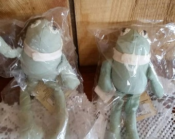 2 green fabric Frogs