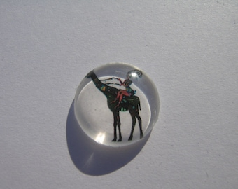 Giraffe in 20 mm round domed cabochon