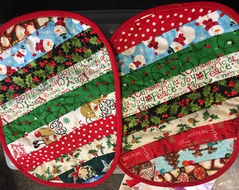Quilted christmas placemats with green back (set of two)