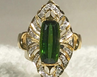 Gorgeous 18k Green Tourmaline and Diamond Ring