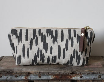 Quill Oblong Pouch