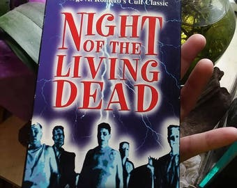 Night of the living dead vhs//george a. romero//zombie movies//horror vhs//vintage