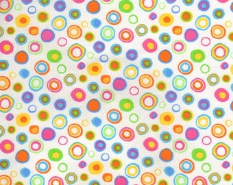 Lots of dots yellow or white fabric 0,5 m pure cotton