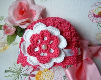 Baby Cap. Crochet hat. Fuchsia cotton with a flower applied. Baby Crochet. Feminine and romantic. Summer Fashion Baby